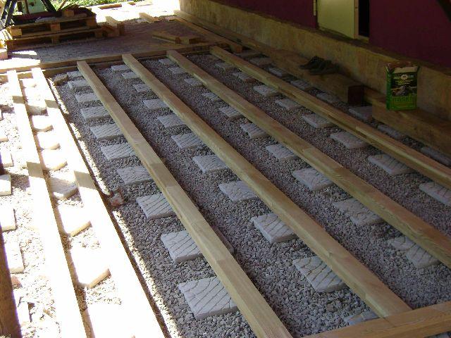 Установка лаг для укладки террасной доски из лиственницы